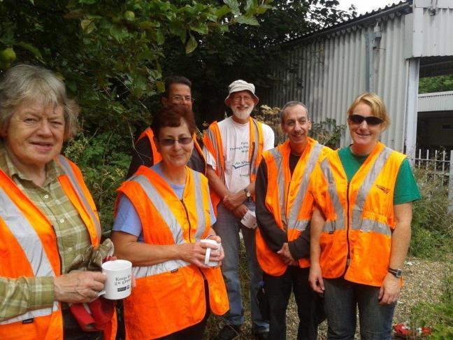 A well earned tea break (vital volunteer fuel!)